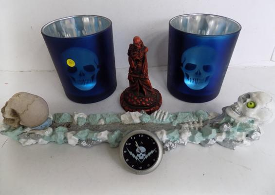 Collection of skull themed collectables & other items