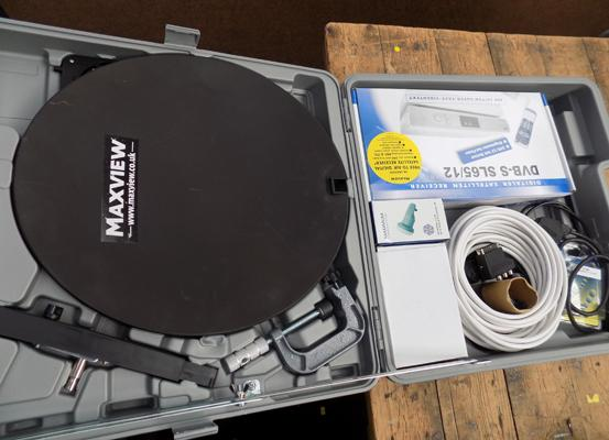 Max View Omni Sat camping kit in box