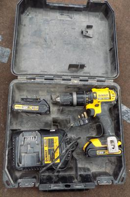 Dewalt 18V cordless drill, 2 lithium batteries, charger, W/O