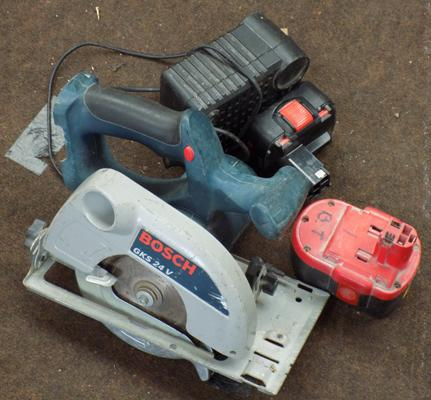 Bosch circular saw with 2 batteries and charger