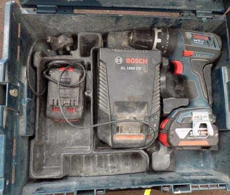 Bosch cordless drill with 2 batteries