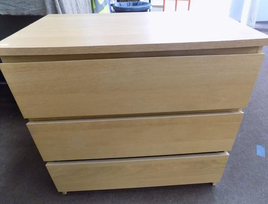 3 Drawer chest of drawers