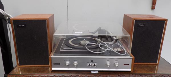 1970's Phillips stereo record record player & two speakers