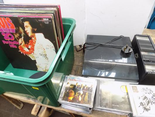 Record player in W/O, approx. 31 records, 13 cassette tapes + case & approx. 23 CDs