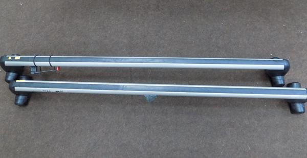 Set of VW roof racks - with keys