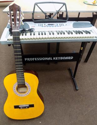Acoustic guitar + keyboard with stand - W/O