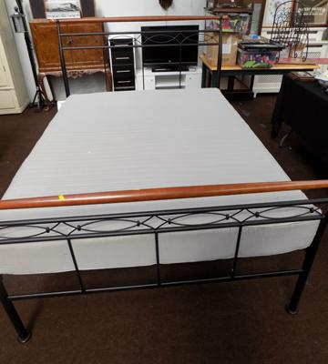 Ornate metal double bed & mattress