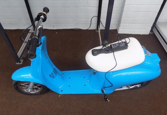 Razor Pocket Mod Scooter with charger