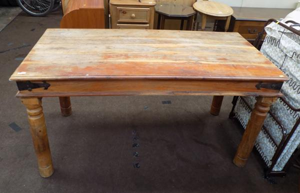 Solid wood table for restoration