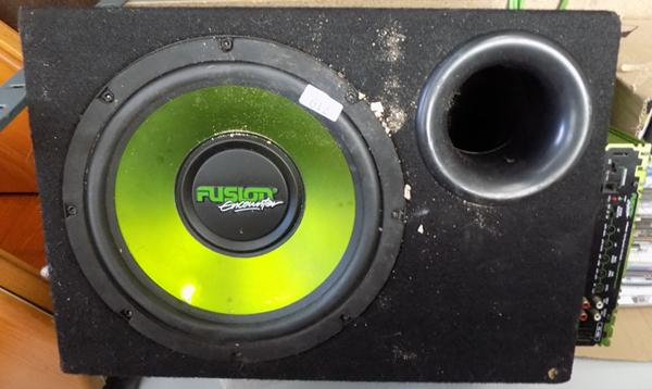 Fusion Subwoofer + amp