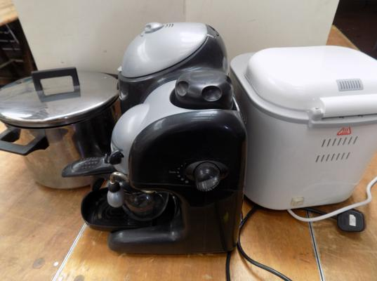 Bread-maker W/O, coffee percolator & large cookery pan