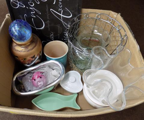 Box of mixed glass & ceramics inc Le Cruset & mason cash