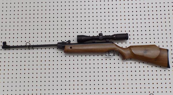 SMK 12 - 22 air rifle