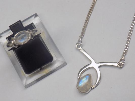 "Silver and moonstone necklace and matching ring - approx. 16"" and approx. size P"