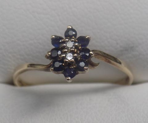 9ct gold sapphire and diamond ring - size approx. O1/2