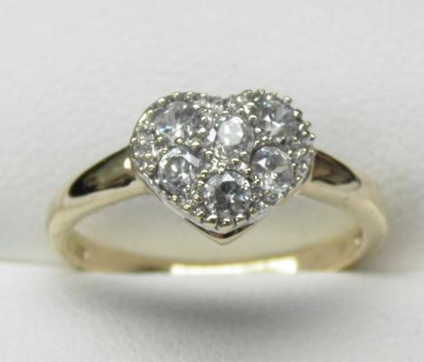 9ct gold heart shaped cluster ring size N1/4