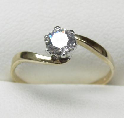 9ct gold solitaire ring size M1/2