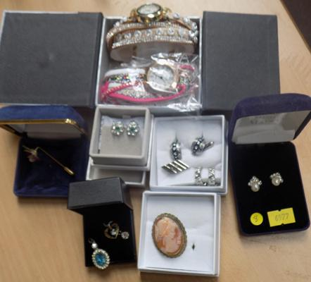 5 boxes of costume jeweller inc cameo and pair of watches - new in box