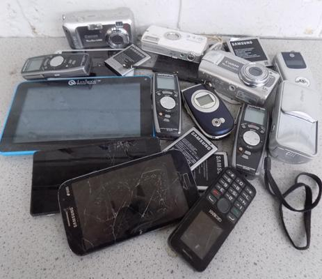 Mixed tray of mobile phones, digital cameras etc.