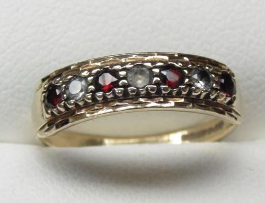 9ct gold garnet half eternity ring size M1/2