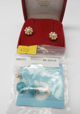 Two pairs of gold earrings, one set 9ct gold & real pearl earrings