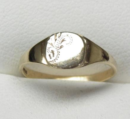 9ct gold signet ring size J