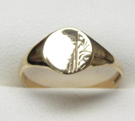 9ct gold signet ring size O1/4