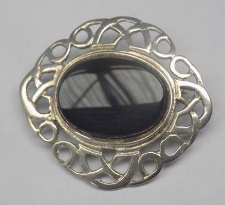 Vintage silver brooch with black stone - hallmarked silver