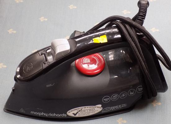 Morphy Richards iron