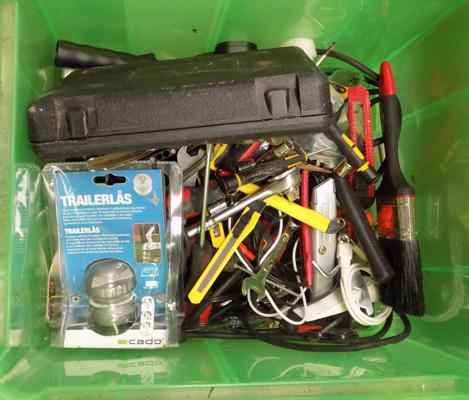 Tub of tools & cables