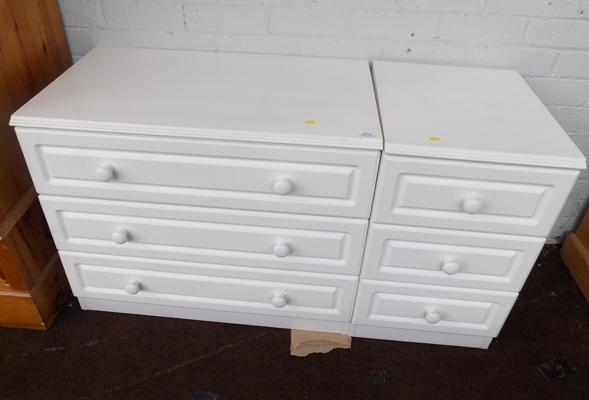 2 sets of 3 drawer units