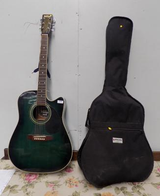 "Accoustic guitar, ""vintage"" + case"