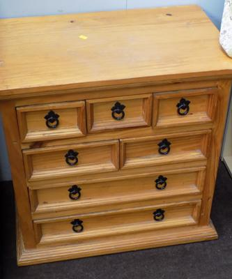 7 drawer pine unit