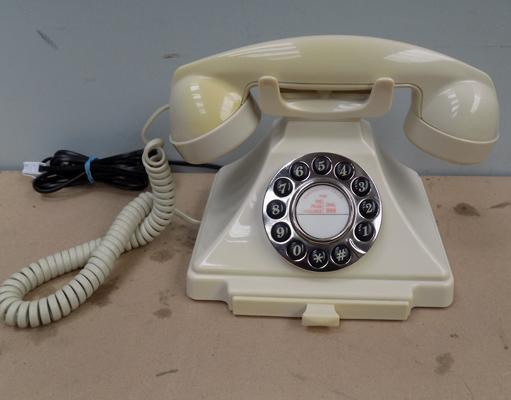 Replica vintage phone (push button, not dial) W/O