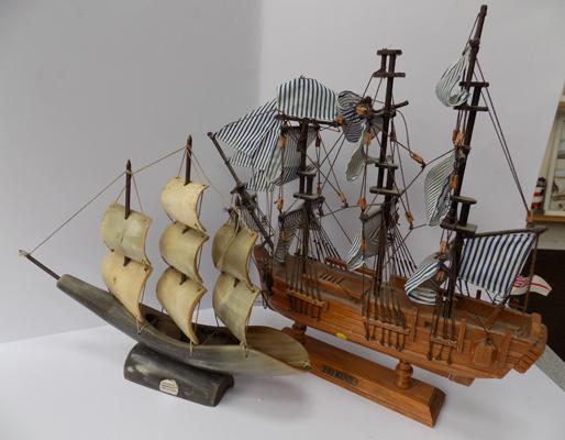 "2 model vintage gallions - HMS bounty in wood 12"" and other made from horn 10"""