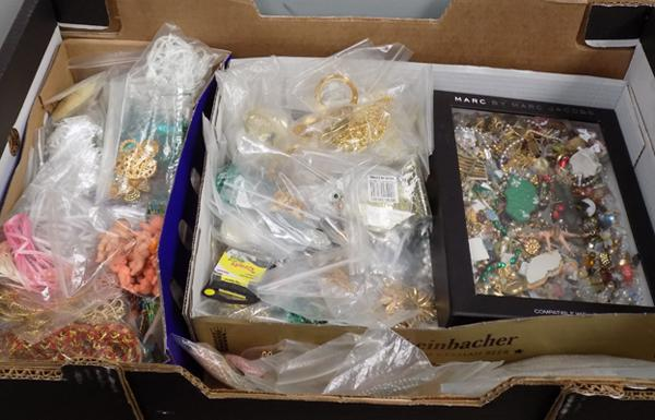 Box of mixed craft items incl. lace, charms etc.