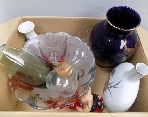 Good quality box of glass and ceramics incl. Caithness and Leonardo