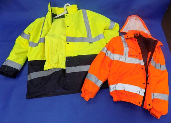 Safety jacket and trousers (2xL) and safety jacket (L)