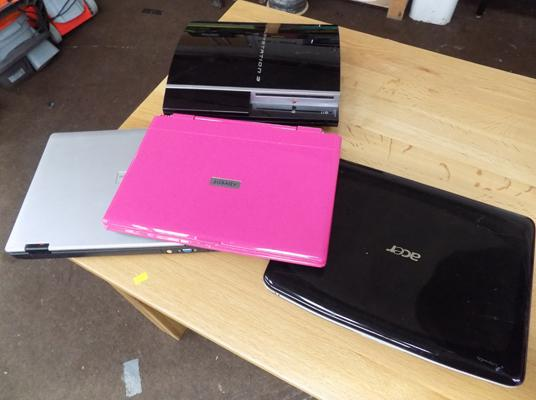 PS3 & 3 laptops for spares & repairs
