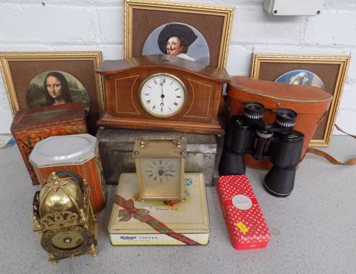 Mixed box of tins and clocks