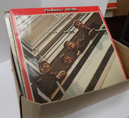 Box of LP's incl. 5 Beatles