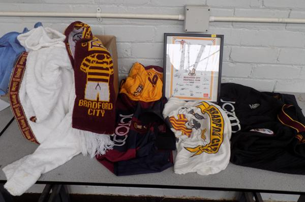Bradford City Collection - 1 picture signed, 1 scarf Wembley, 1 shirt blue, monogrammed, 1 dressing gown, 4 replica shirts