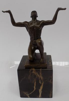 Bronze meditator on marble base, 18cm tall