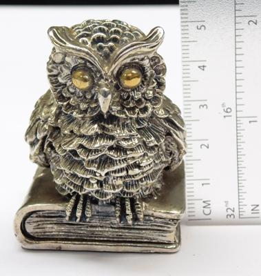 800 silver 'Owl Perched on Book' paper weight