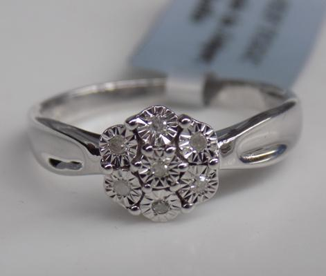 Sterling silver and halo diamond cluster ring size N to O - Tggc with C.O.A