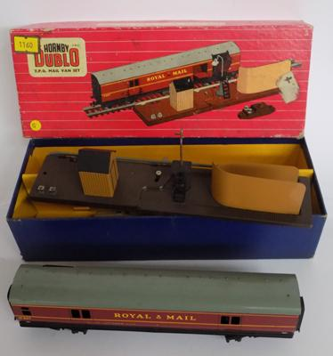 1960's Hornby Dublo no.2400 - TPO mail van set