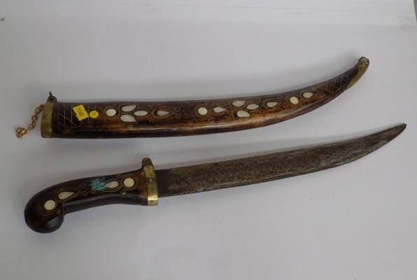 Large oriental dagger in sheath with mother of pearl inlay detailing - 19""