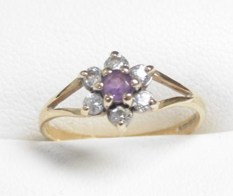 9ct gold amethyst cluster ring size M