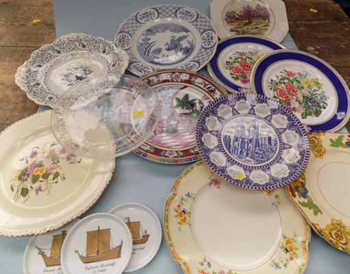 Selection of plates, incl. West German pair of Royal Doulton
