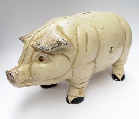 Large cast iron 'Piggy' bank